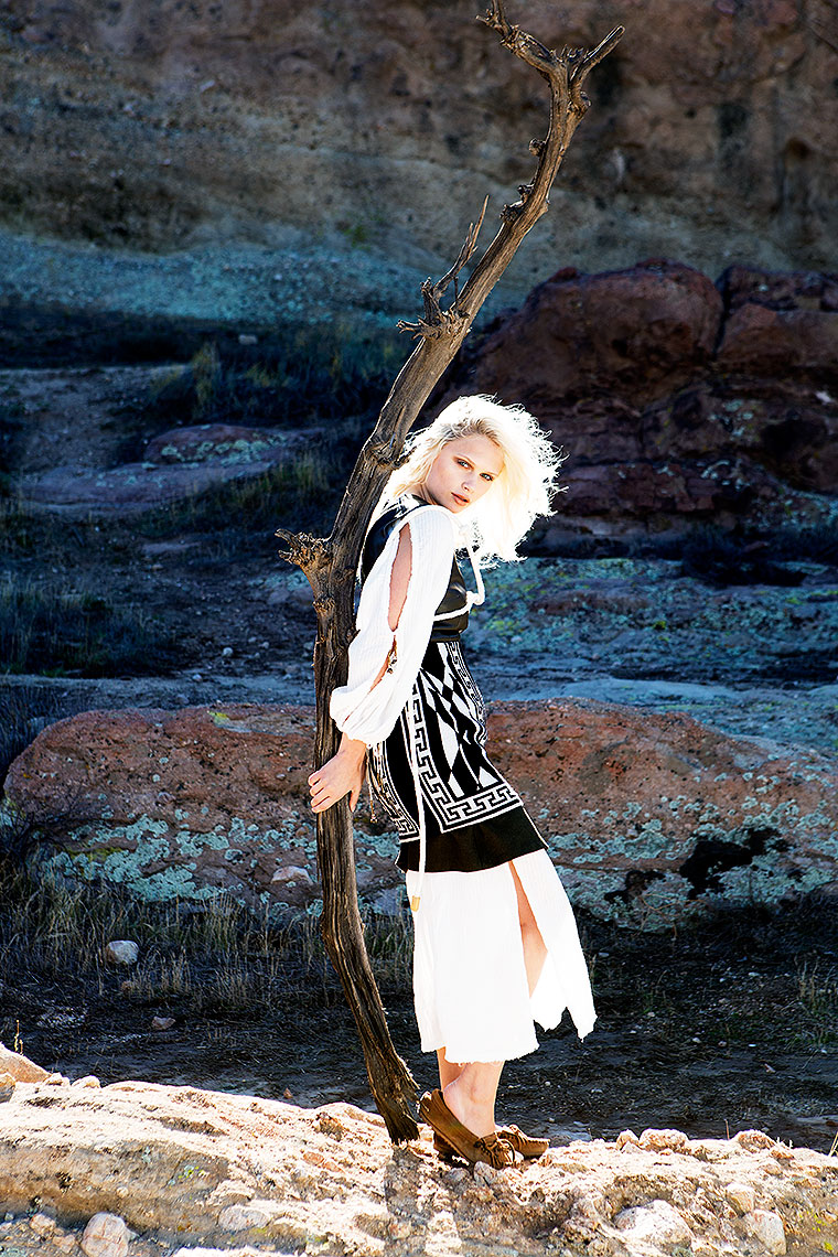 002_Chey_Desert_8Fashion_Women